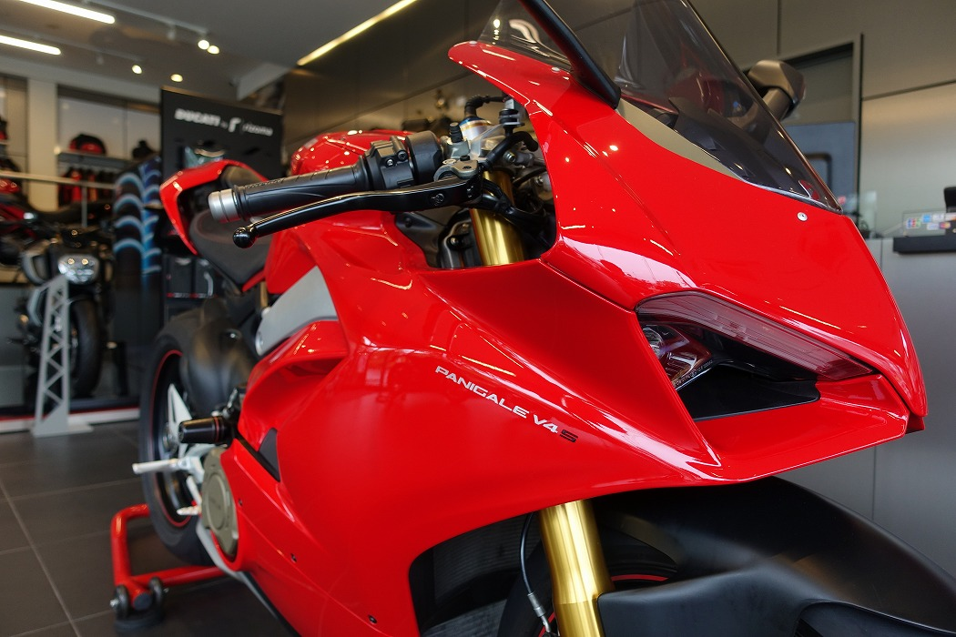 USED PANIGALE V4S入荷